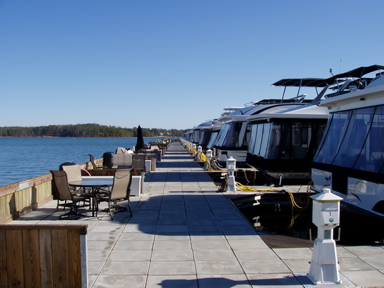 Internet lenders are closing up shop daily, dont take the ... Lake Lanier Party